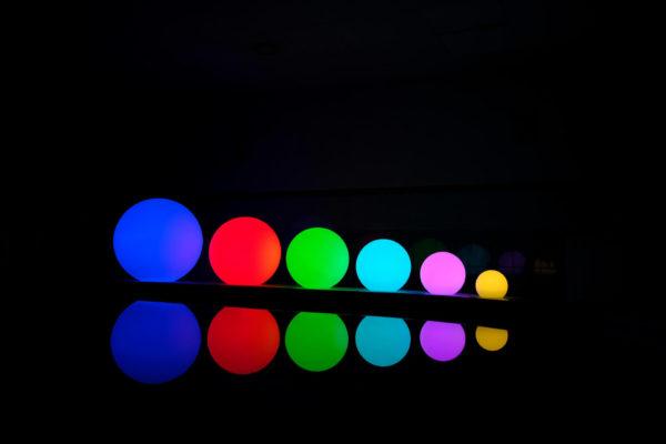 Цветные световые мячи