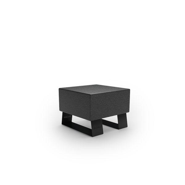 Черная одноместная скамейка