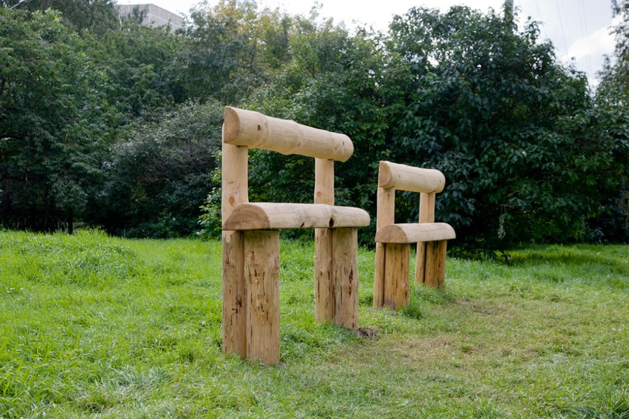 Высокие скамейки